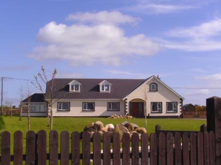 Carrigbyrne Lodge Country Bed and Breakfast