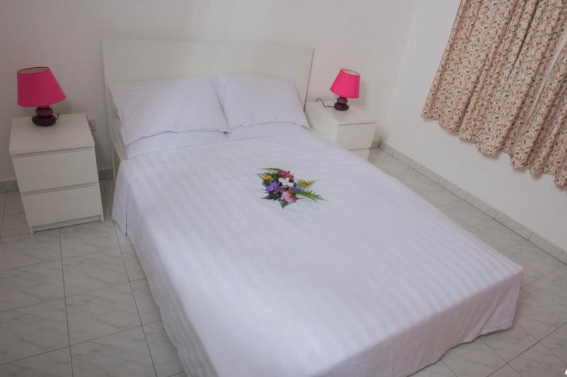 Cotton rose self catering  1
